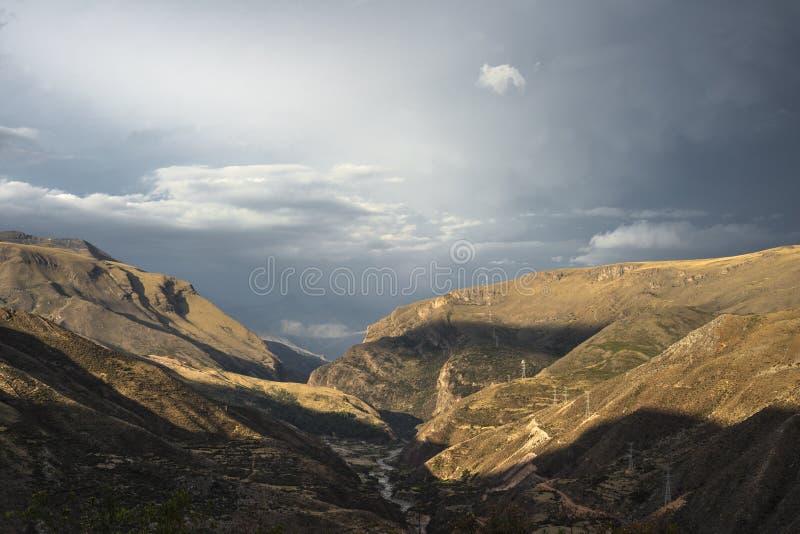 Route de Cuzco à Abancay image stock
