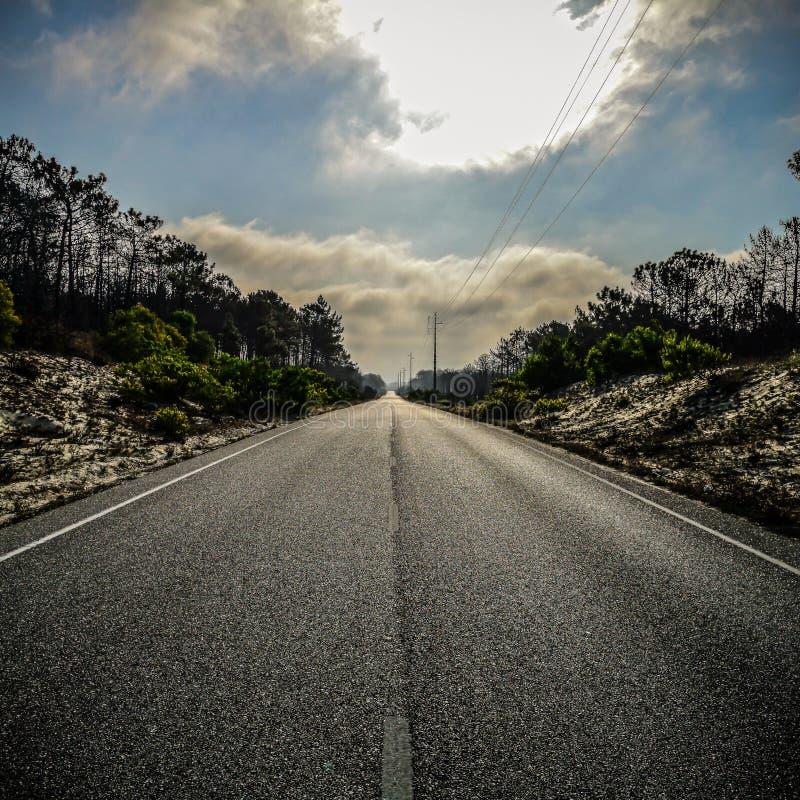 Route de disparaition au Portugal image stock