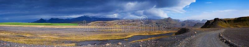 Route de gravier en Islande photo libre de droits