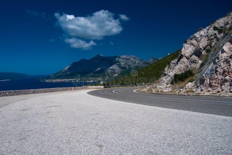 Route de macadam près d'Orebic photographie stock