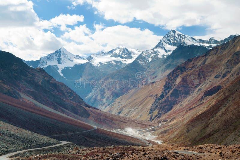 Route de Manali-Leh images stock