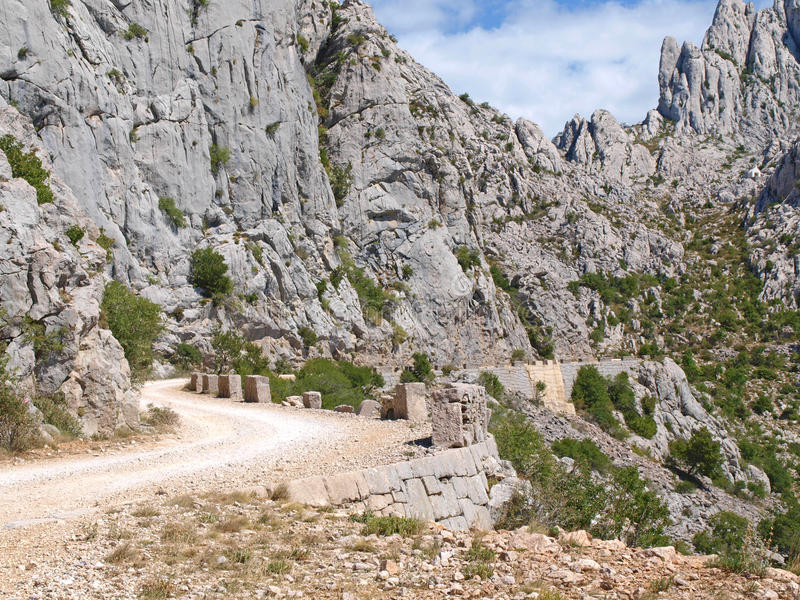 Route de montagne d'enroulement photographie stock libre de droits