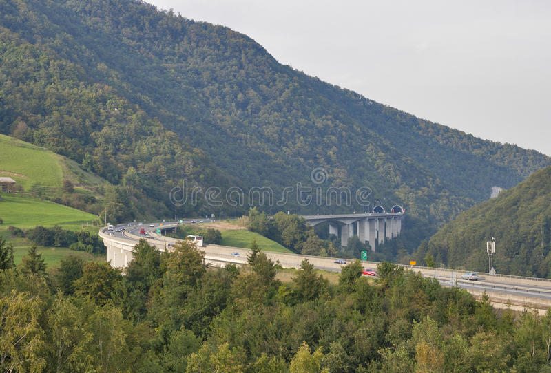 Download Route De Montagne De La Slovénie Image stock - Image du courbe, public: 45352375