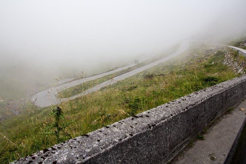 Route de montagne de mystère image libre de droits
