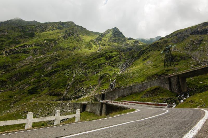 Route de montagne de Transfagarasan, Roumain Carpathiens photo stock