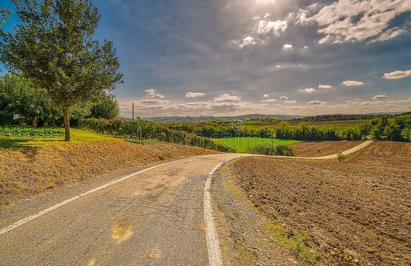 Route de recourbement dans la campagne italienne photo libre de droits