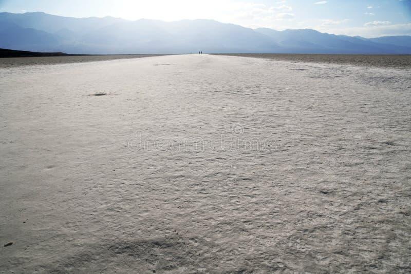Route de sel dans le terrain de golf du diable, Death Valley photographie stock libre de droits