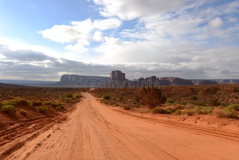 Route de vallée de désert photos libres de droits