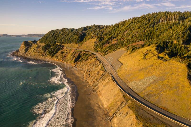 Route 101 des USA Pacifique en Orégon image stock