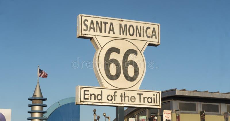 Route 66 -eind van de sleep stock foto's