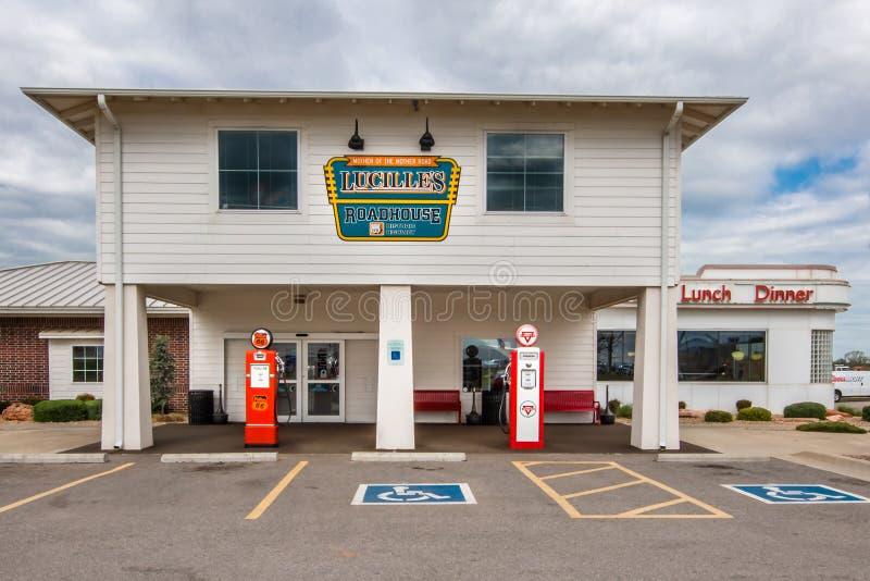 Route 66: El parador de Lucille, energía hidraúlica, AUTORIZACIÓN imágenes de archivo libres de regalías
