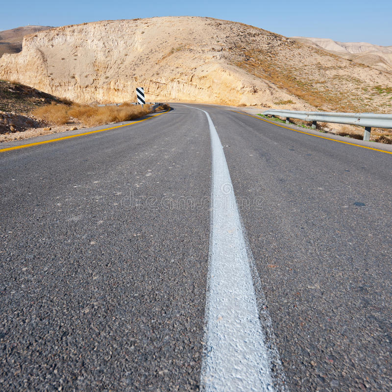 Route en montagnes photos stock
