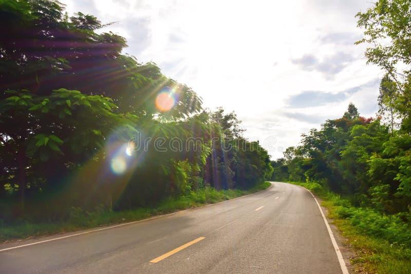 Route en montagnes images libres de droits