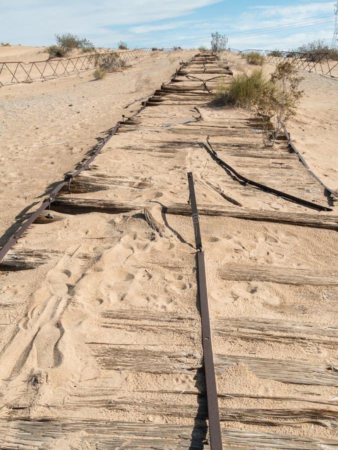 Route historique de planche, dunes impériales, la Californie image libre de droits