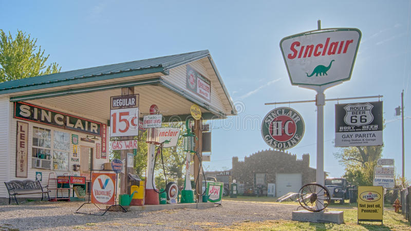 Route 66: Homosexuelle Tankstelle Parita Sinclair, eine Route 66 -Legende, ow lizenzfreie stockfotografie