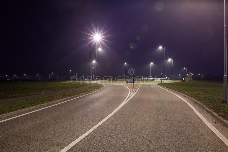 Route la nuit photos stock
