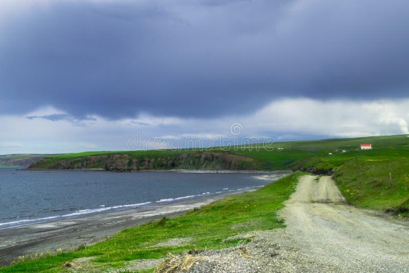 Route le long de la côte du nord de l'Islande photo stock