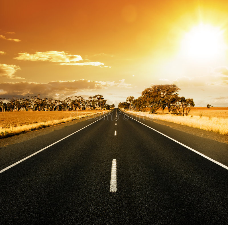 Route magnifique de coucher du soleil photographie stock libre de droits