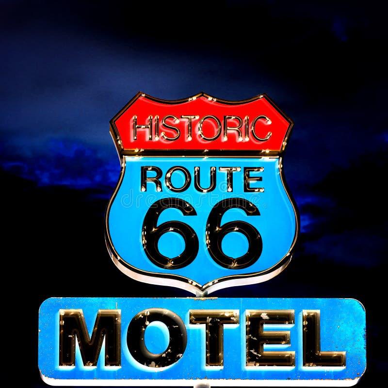 Route 66 på natten fotografering för bildbyråer