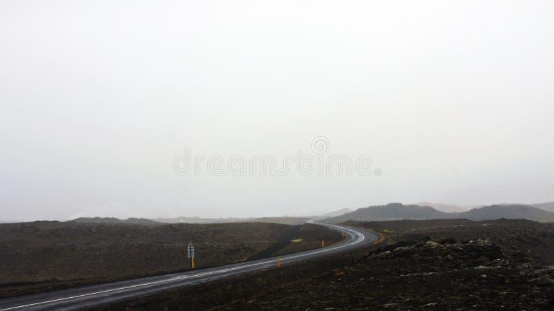 Route par l'Islande par le mauvais temps photo libre de droits