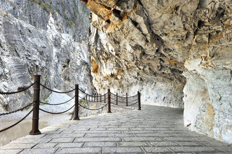 Route par la gorge la plus profonde du monde photo libre de droits