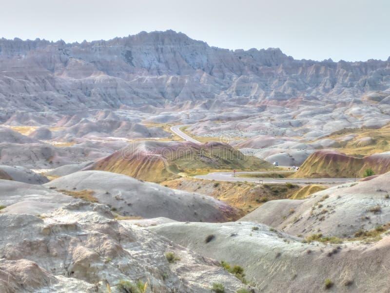 Route par le parc national de bad-lands dans le Dakota du Sud, Etats-Unis photo libre de droits