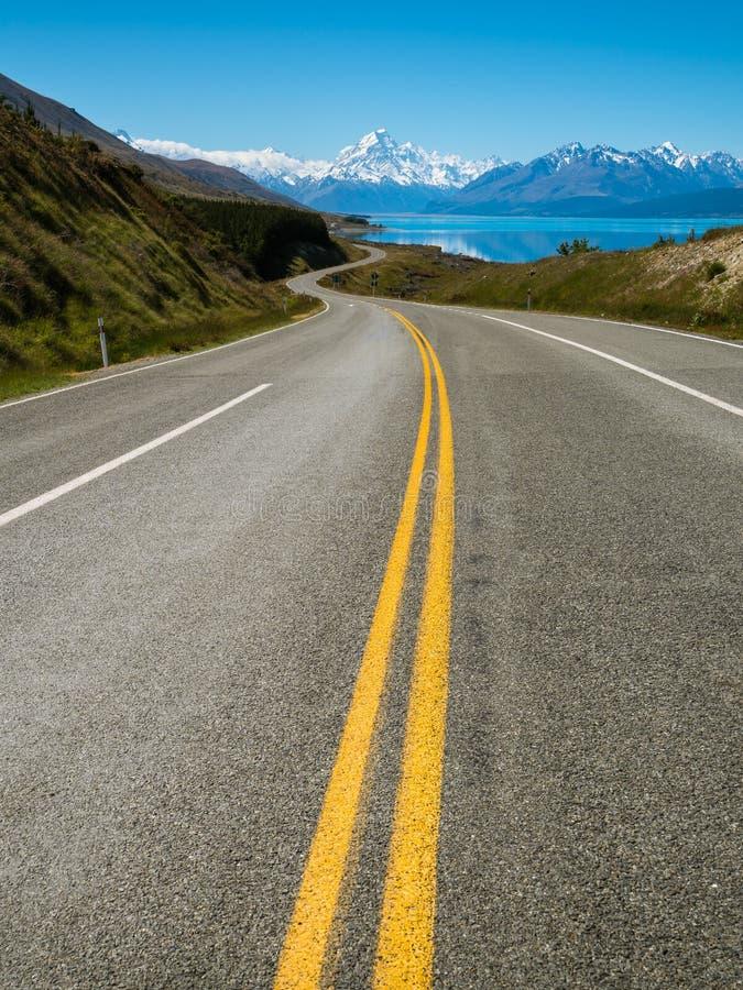 Route pour monter le cuisinier, Nouvelle Zélande photographie stock libre de droits