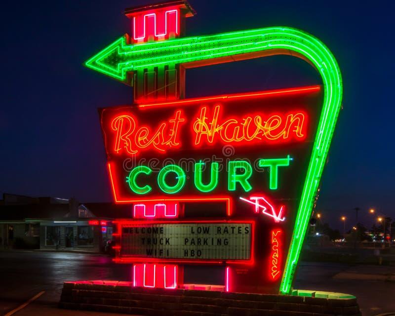 Route 66: Rest-Hafen-Gericht, Springfield, MO lizenzfreies stockfoto