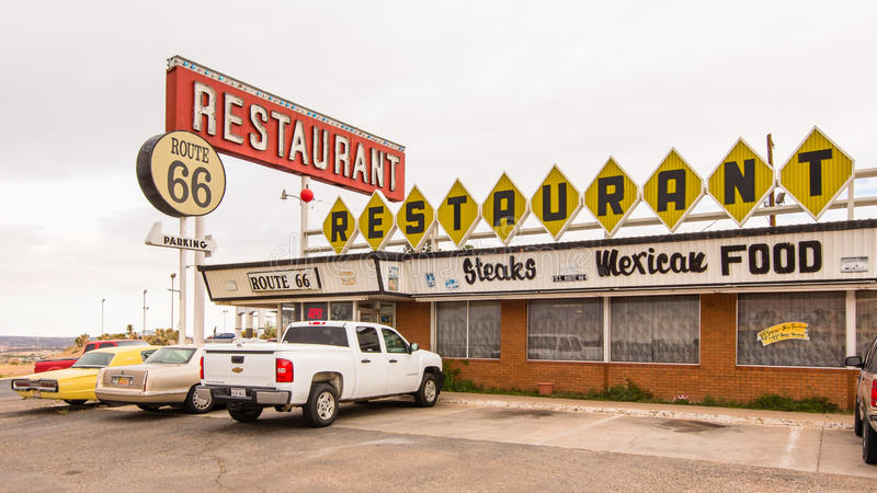 Route 66 -Restaurant und Leuchtreklame, Santa Rosa, Nanometer lizenzfreies stockbild
