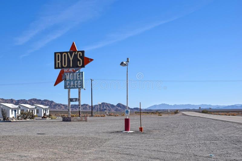 Route 66 -, Roy-` s Motel und Café, Amboy, CA stockbilder