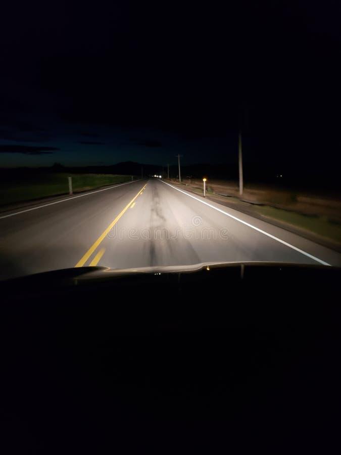 Route rurale à deux voies photos stock