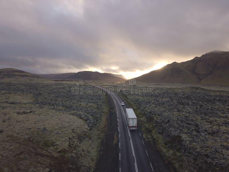 Route sauvage islandaise de l'Islande de vue de paysage photographie stock libre de droits
