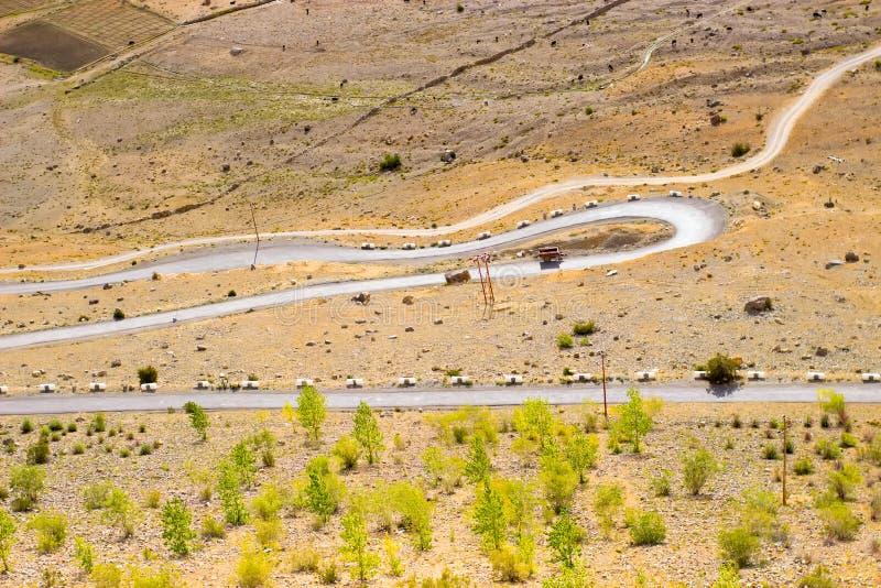 Route serpentine dans les montagnes de l'Inde images libres de droits