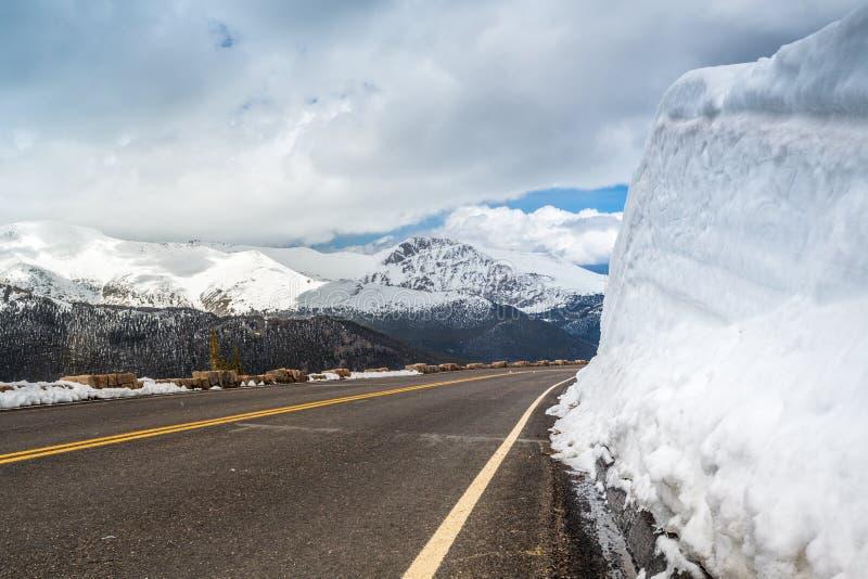 Route soignée en Rocky Mountains National Park image libre de droits