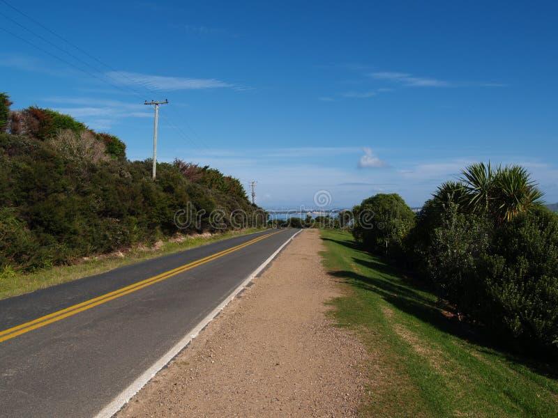 Route sur l'île de Waiheke images libres de droits