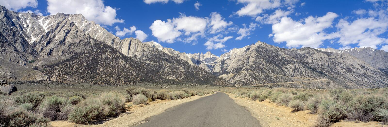 Route vers Mount Whitney images stock