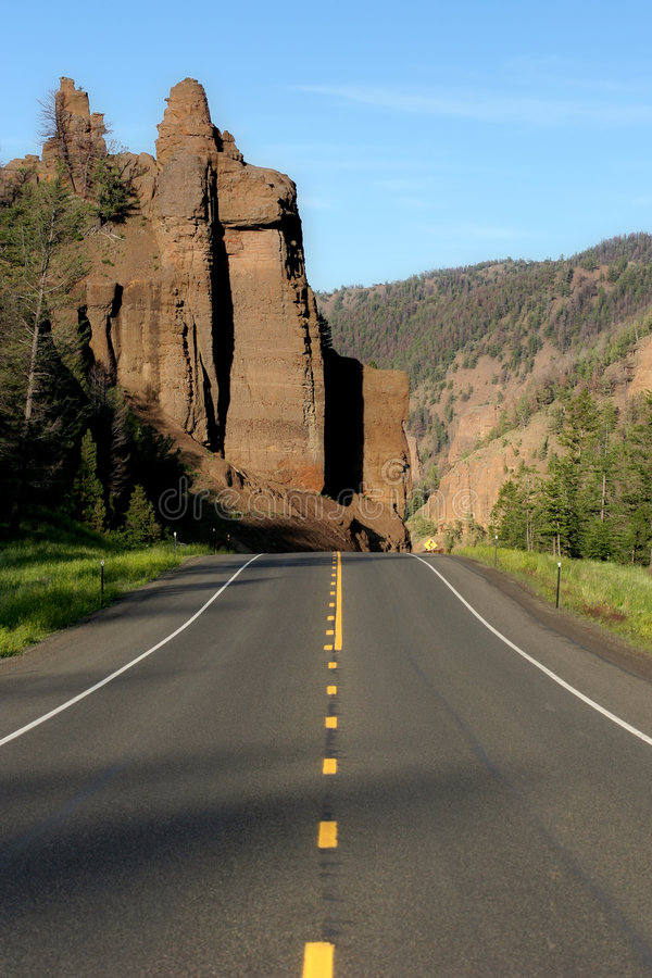 Route vers yellowstone images stock