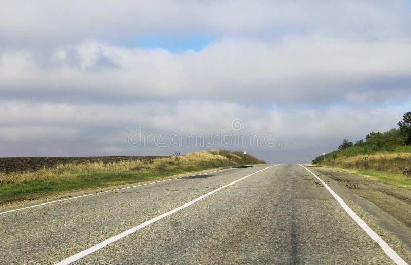 Route vide à la journée photographie stock