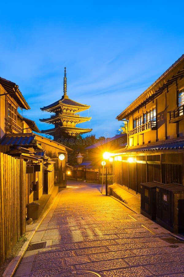 Route Yasaka non aux Chambres traditionnelles de rue de pagoda photographie stock