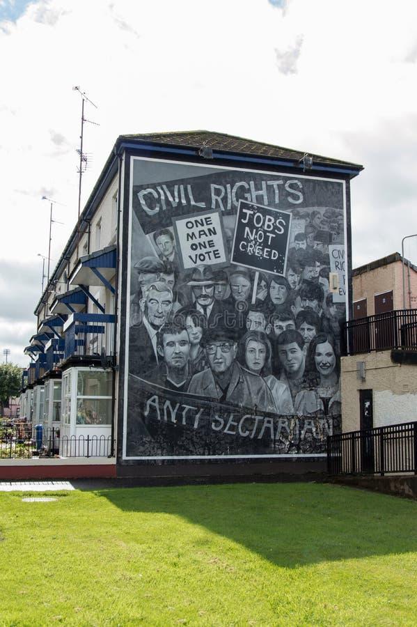 Routes de peinture de mur dans Derry (LondonDerry) image libre de droits