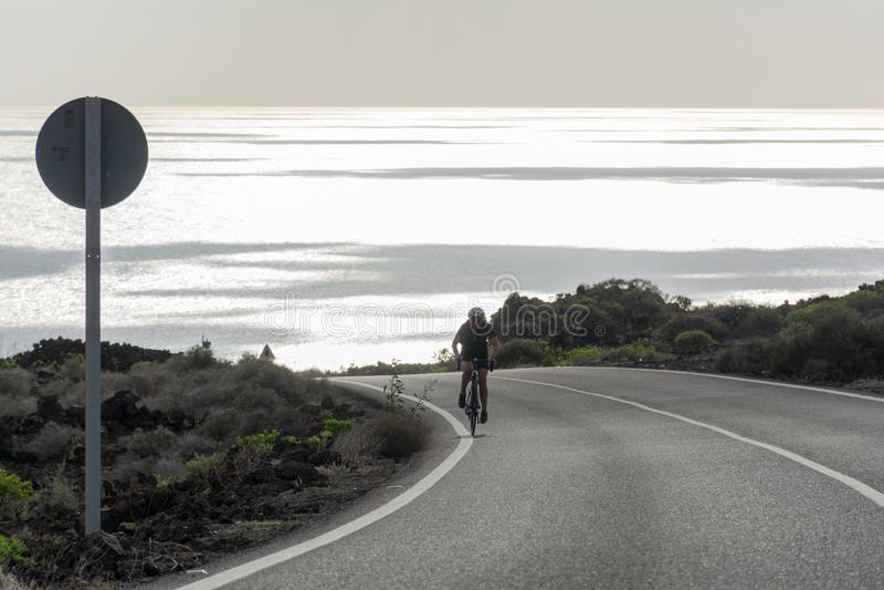 Routes sur l'île de Lanzarote, transport, la meilleure manière de découvrir photographie stock