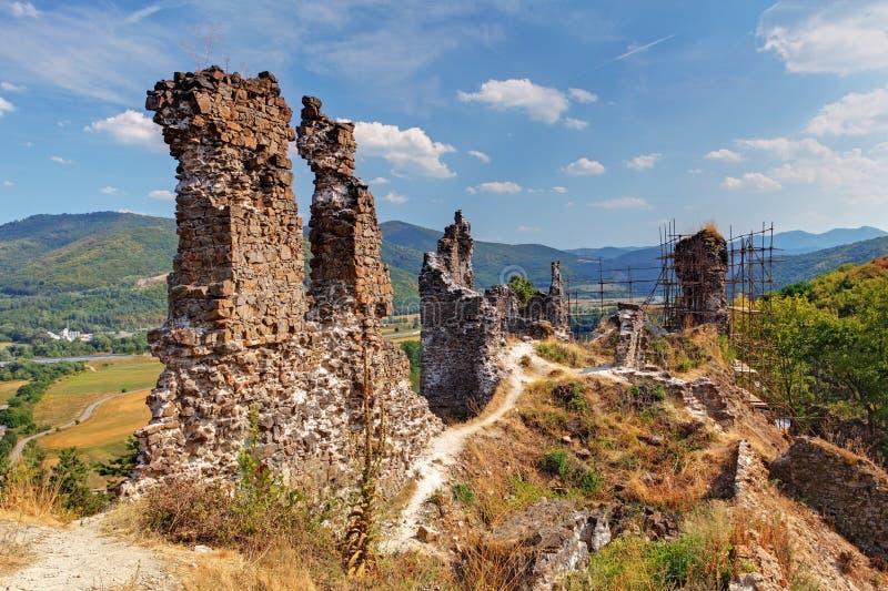 Rovina del castello Reviste fotografia stock