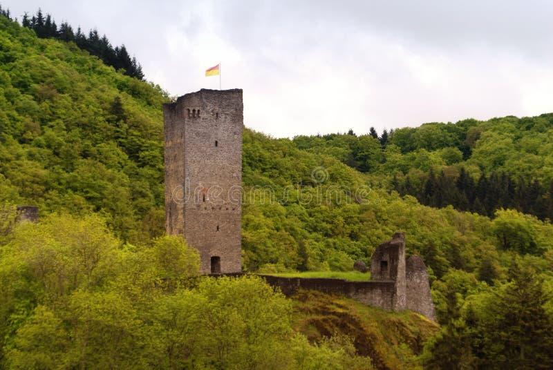 Rovina medievale di un castello fotografia stock