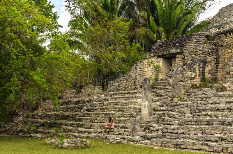 Rovine alla citt? maya di Kohunlich, Messico immagine stock libera da diritti