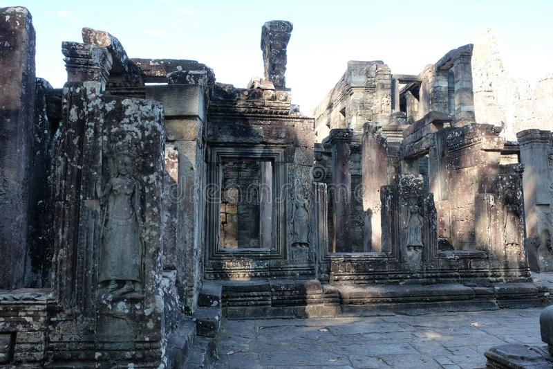 Rovine antiche in Cambogia Arte architettonica dell'Asia medievale Costruzione abbandonata immagini stock