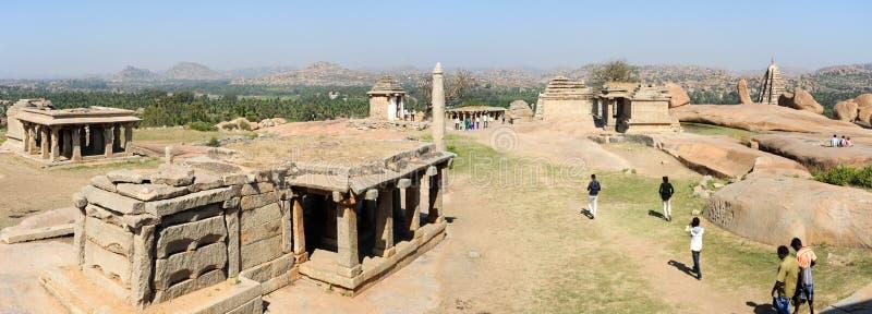 Rovine antiche dell'impero di Vijayanagara in Hampi, India fotografia stock