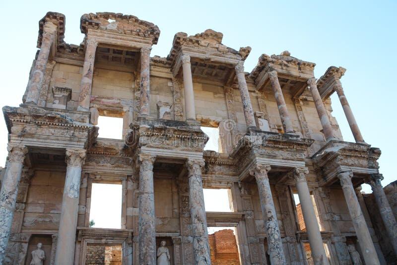 Rovine antiche della biblioteca di Efes Ephesus Celso in Selcuk, Turchia fotografia stock libera da diritti