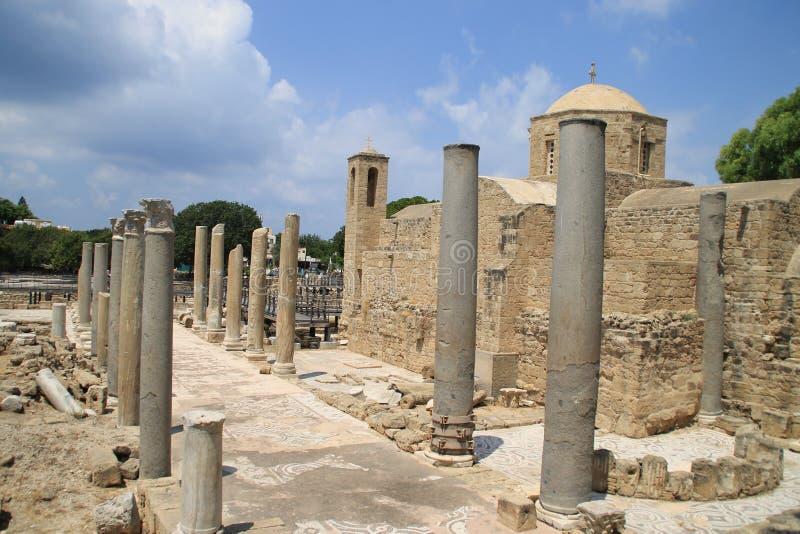 Rovine, chiesa, colonne nel Cipro immagini stock