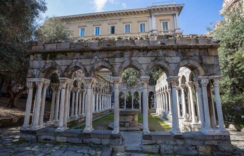 Rovine del convento di St Andrew vicino alla casa di Christopher Columbus, Di Colombo della casa, a Genova, l'Italia fotografie stock