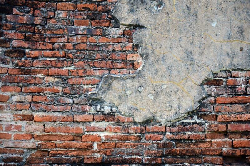 Rovine del fondo del muro di mattoni di Wat Puttaisawan fotografia stock libera da diritti